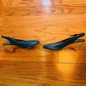 Size 7.5 womens Setchelles shoes